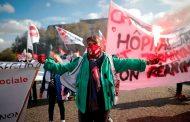 Médicos exigen más recursos ante una segunda ola de coronavirus en Francia