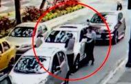 Delincuente asaltó a conductor de un vehículo en el centro de Guayaquil