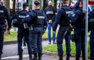 Hombre decapita al maestro de su hijo en Francia